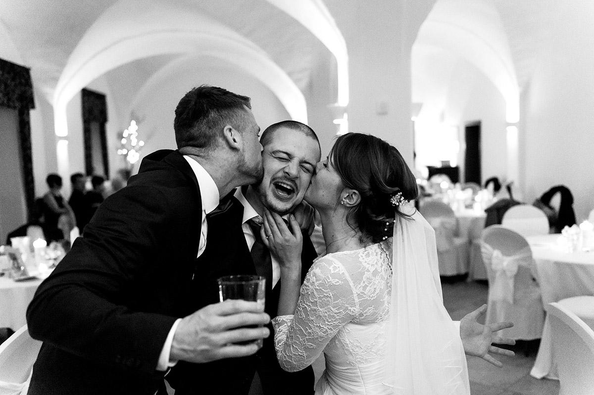 Hochzeit Bruder Kuss